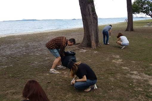 Lsbf Singapore Staff And Students Clean A Beach2